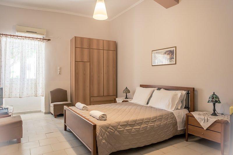 Konstantina's Fairytale House,near balos elafonisi, vacation rental in Kampos