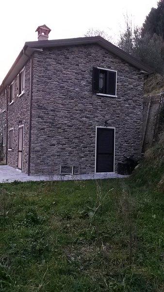 Casa nuova tranquilla, holiday rental in Stazzema