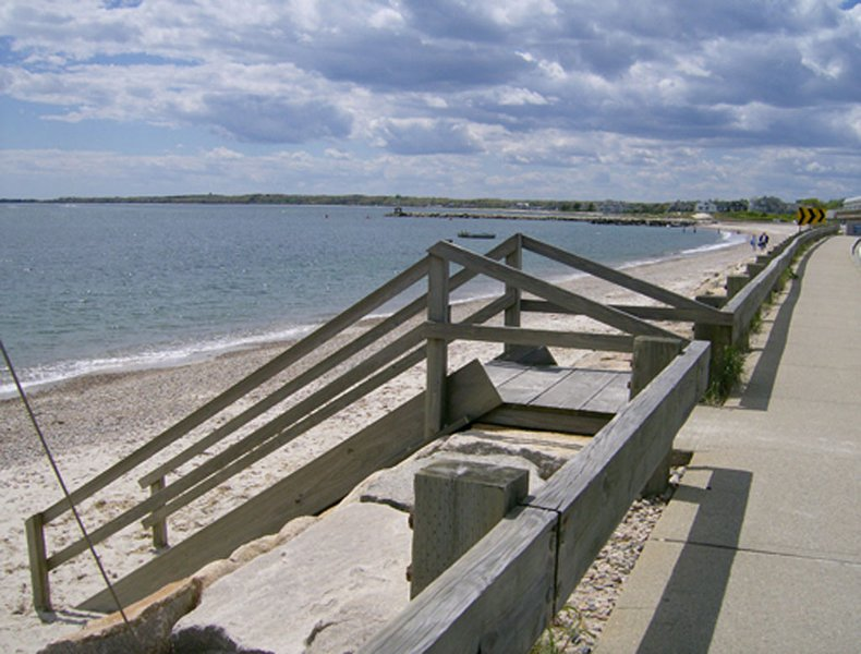 Walk to Private Beach, holiday rental in Woods Hole