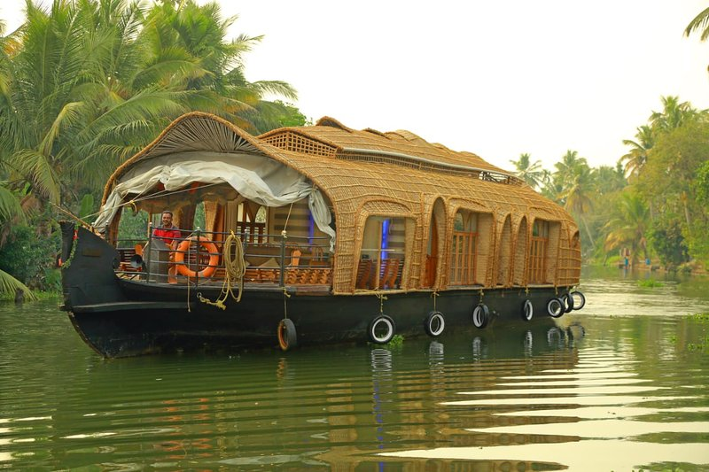 Water Rail Houseboat, vacation rental in Kumarakom