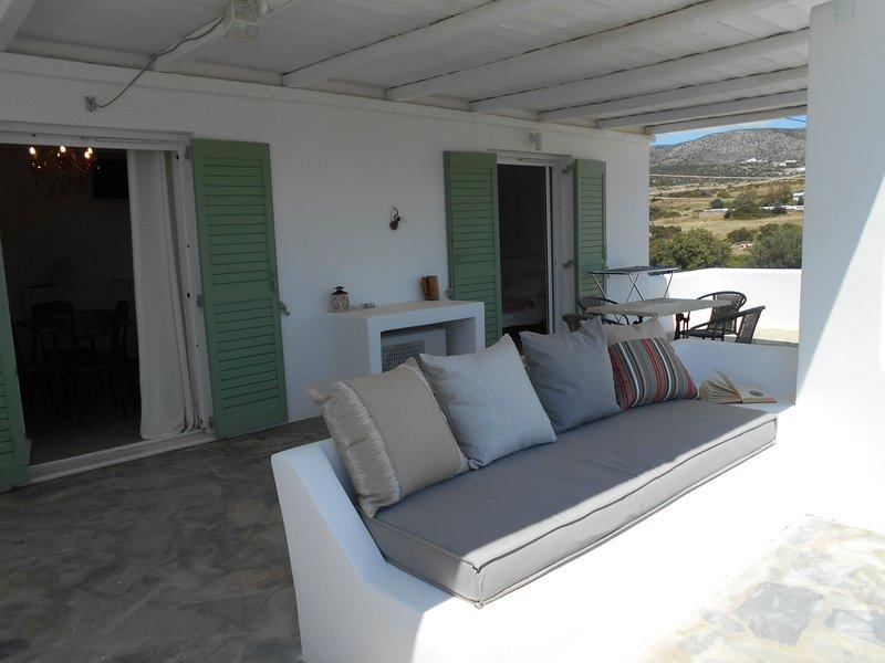 DAHLIA APARTMENTS AND STUDIOS, casa vacanza a Paros