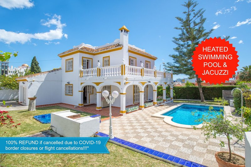 NEW!!! 5 min walk from the beach! Luxury Villa + private heated pool and jacuzzi, holiday rental in Benalmadena