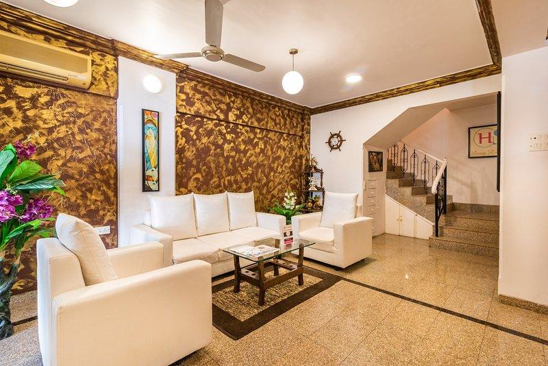 Eminent (Bunglow) near Goregaon Exhibition center, holiday rental in Mumbai