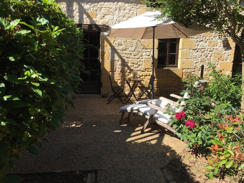 La Closerie de Baneuil. Chambre d'hôtes Brantôme, vacation rental in Bourniquel