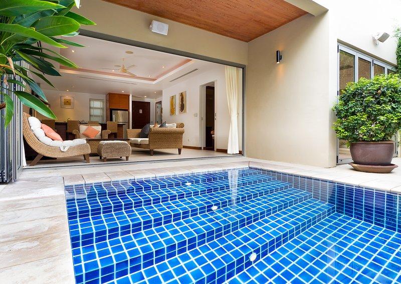 2-Story Pool Villa With 2 Bedrooms - Bang Tao, holiday rental in Cherngtalay