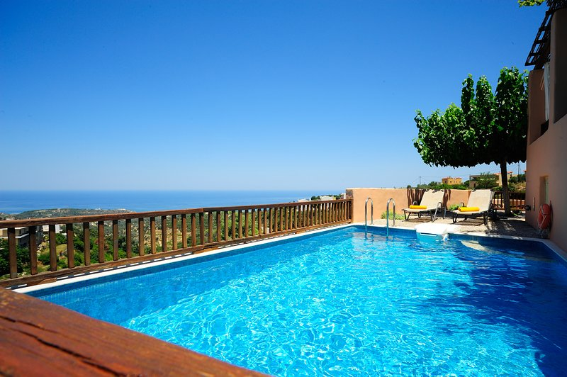 Delightful view above Rethymno city, holiday rental in Prasies