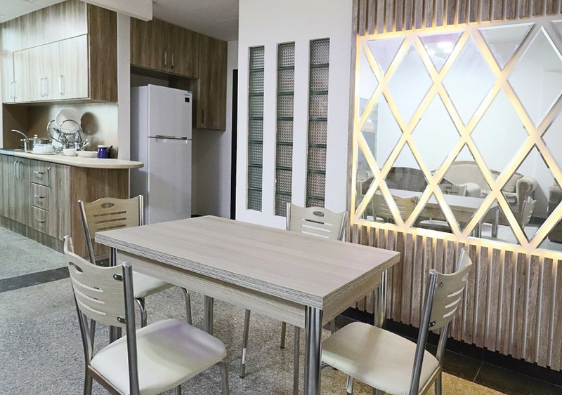 AFFORDABLE AND GREAT STAY 3 BEDROOM APARTMENT, holiday rental in Sharjah