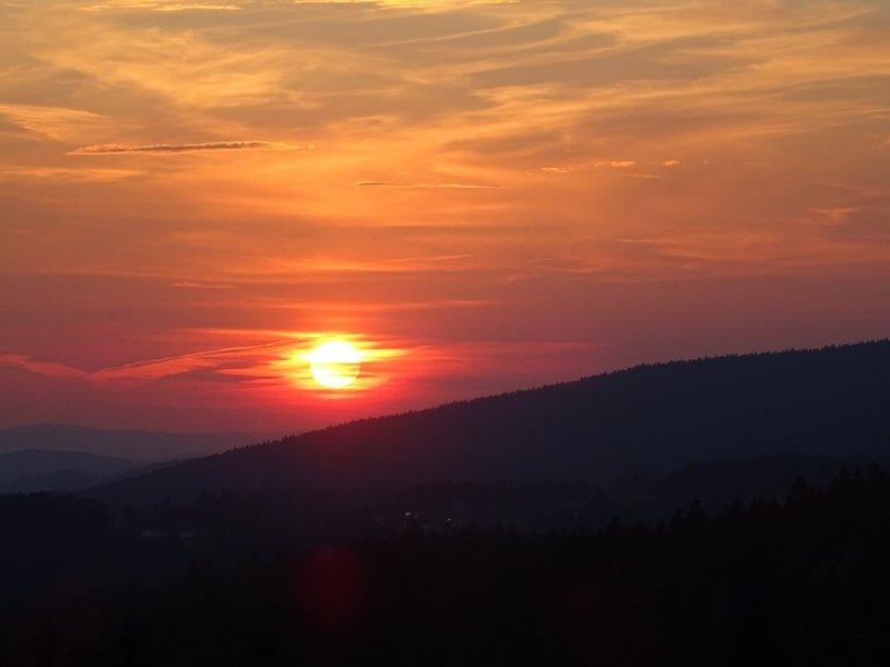 Sonnenuntergang im Blick von der Terrasse