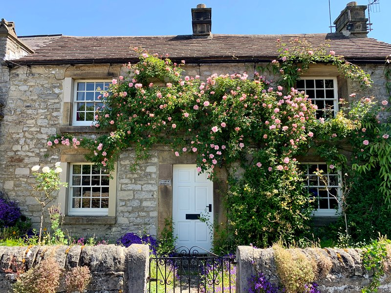 Chantry Cottage, holiday rental in Ashford-in-the-Water