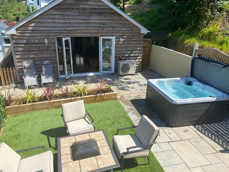 Woodley Lodge - your perfect Cornish self catering getaway, holiday rental in Charlestown