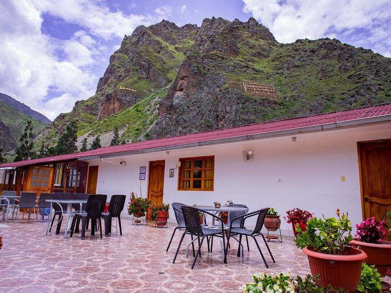Hotel con vista a las montanas con dos terrazas - Habitacion Doble 4, holiday rental in Machu Picchu