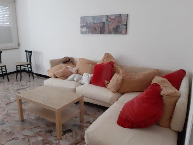 casa vacanza a Recco, location de vacances à Vescina