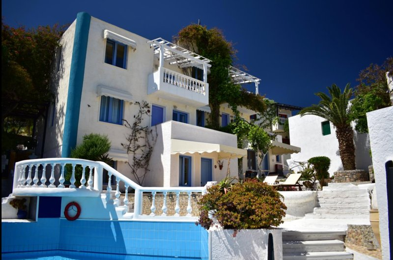 Breath taking views standard apartment for adults only, families, couples, casa vacanza a Koutouloufari