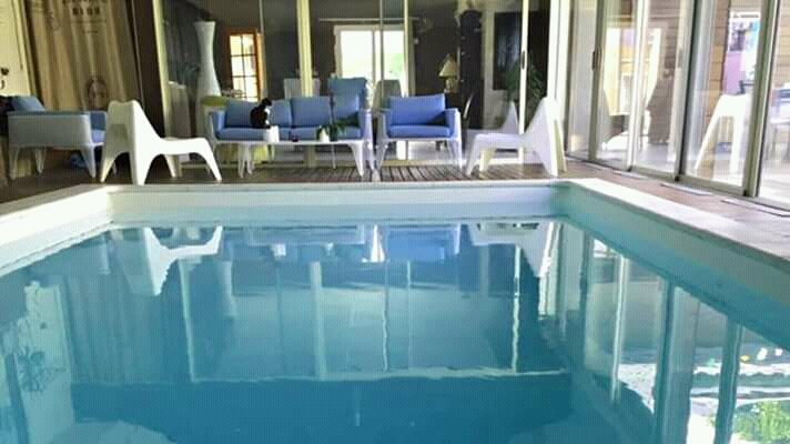 Les Rêveries - B&B piscine intérieure chauffée, vacation rental in Segre-en-Anjou Bleu