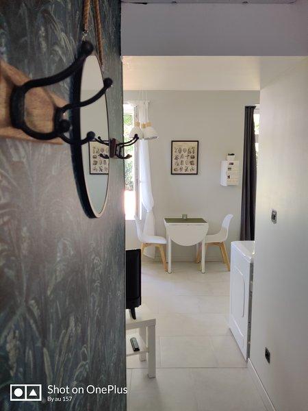 'Côté Jardin'**** logement de charme avec jardin, holiday rental in Neufchateau