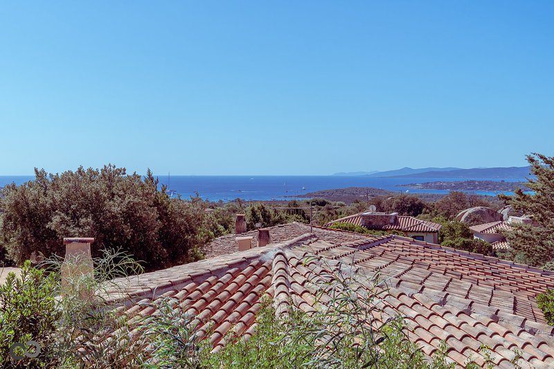 VILLA VOLPE your green corner in Sardinia! 20% off!!, vakantiewoning in La Pipara