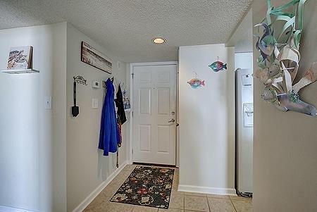 1109 Foyer Entrance