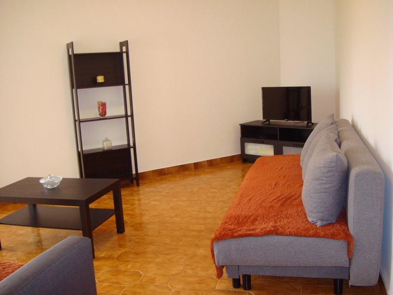 T2 Apartment w/Wifi, Ac, Parking 15km LISBON, location de vacances à Vila Franca de Xira