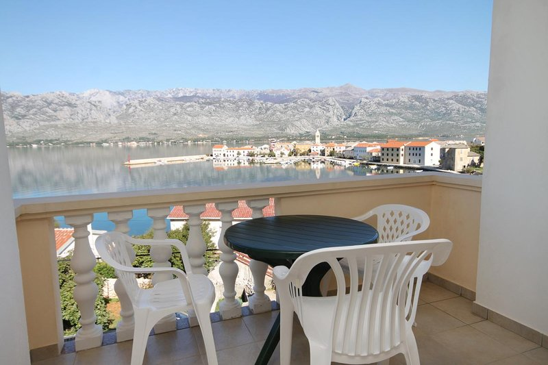 Vinjerac Apartment Sleeps 3 with Air Con - 5461870, vacation rental in Slivnica