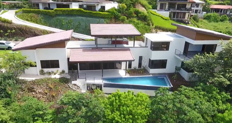 Incredible 3 Master Suite Ocean View Home Inside Pacifico! Lot 79, alquiler vacacional en Sardinal