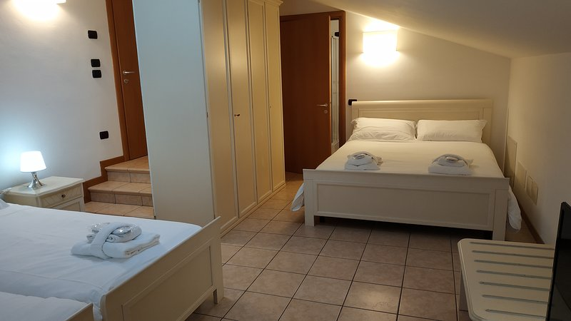 La Rotonda Relais Camera Familiare Bagno Privato, holiday rental in Trebaseleghe