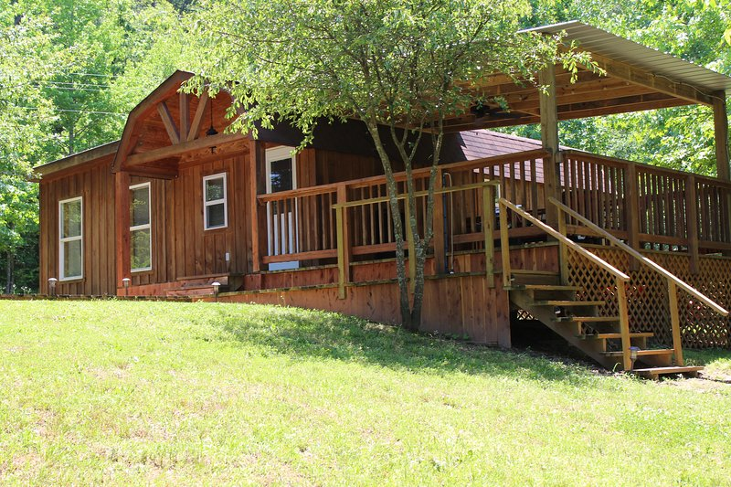 Kates Creek Meadow Cabin, holiday rental in Pencil Bluff