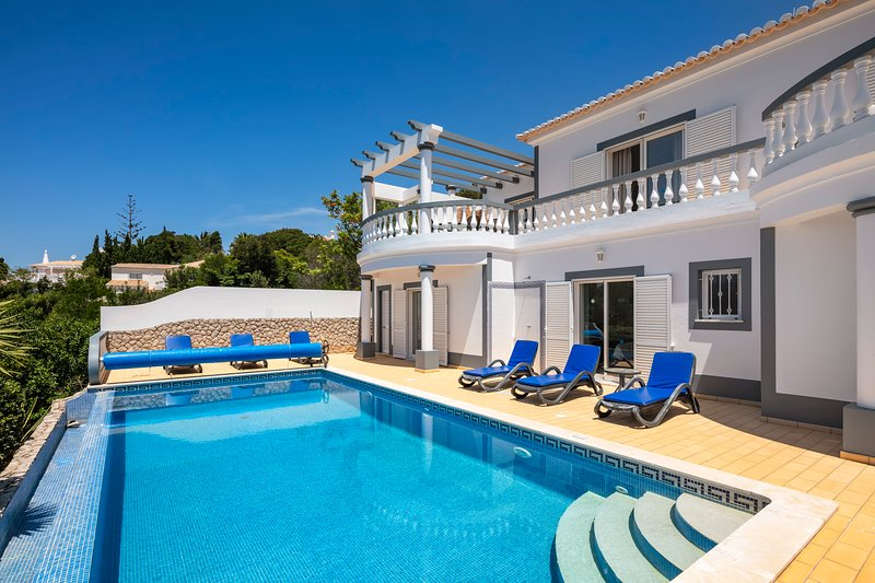 Nº23 Golfe Santo Antonio - Beautifully furnished 3 bedroom Villa with pool, sea, holiday rental in Budens