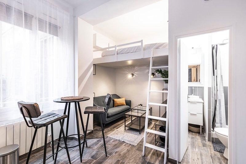 Pretty studio Batignolles - Mobility lease, location de vacances à Clichy