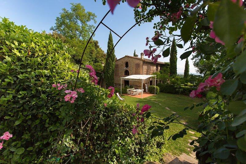 Ghizzolo Residence - traumhafte Anlage mit großem Pool (Haus für 6 oder 12 Pax), vacation rental in Montaione