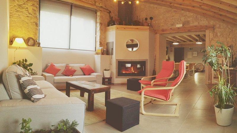 COVA CABALLAR. Segovia, naturaleza y cultura. Casa de 5 habitaciones. 12 plazas., vacation rental in Torreiglesias