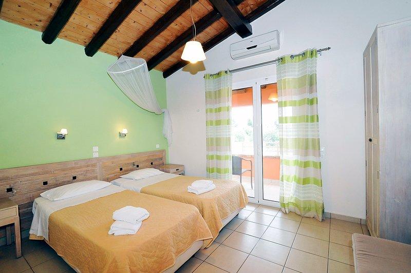 Apartment Artemis - Sea View, location de vacances à Peroulion