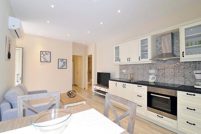 Apartment Athena - Luxury Unit, location de vacances à Peroulion