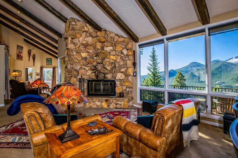 Cedar Upper Vacation Home at Windcliff, vacation rental in Estes Park