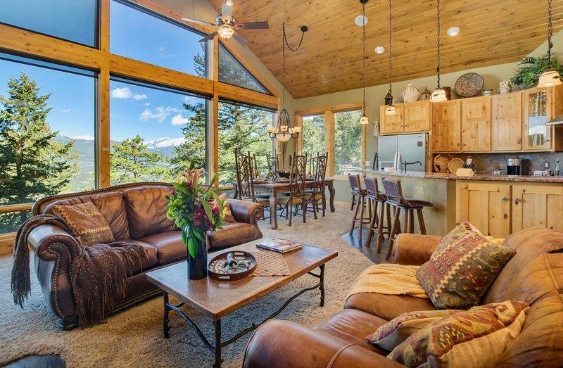 Aspen Leaf Chalet Vacation Home at Windcliff, location de vacances à Estes Park