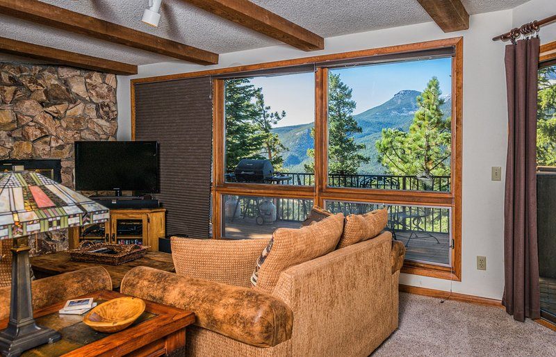 Cedar Lower Vacation Home at Windcliff, vacation rental in Estes Park
