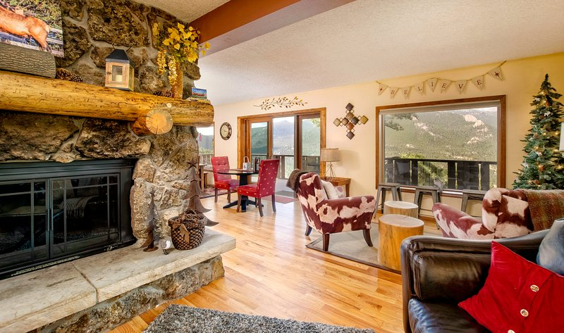 Divine Vacation Home at Windcliff, vacation rental in Estes Park