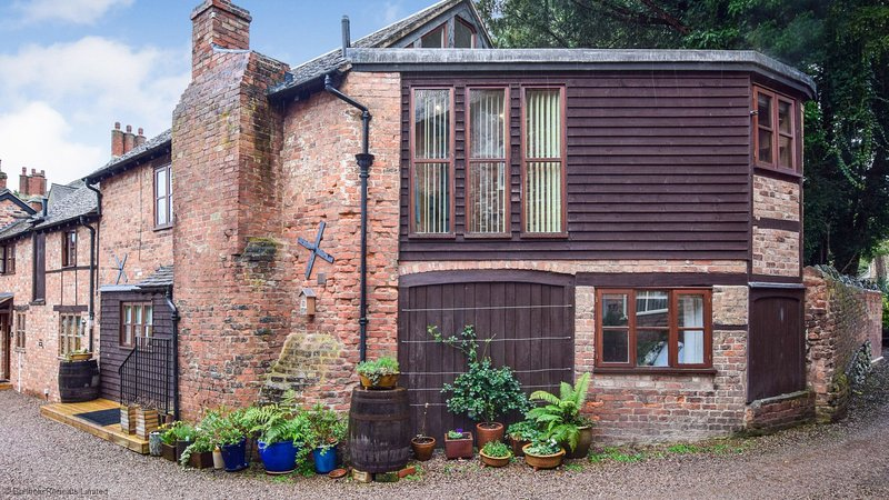 Drying House - Charming holiday home in Ledbury, located just a short walk from, vakantiewoning in Woolhope