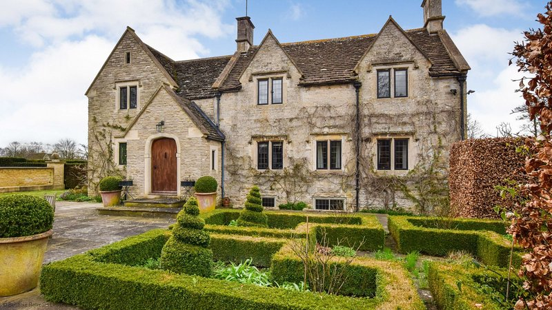 Grindstone Mill, Wotton-under-Edge, Cotswolds - Sleeps 12 in 6 bedrooms, location de vacances à Hillesley