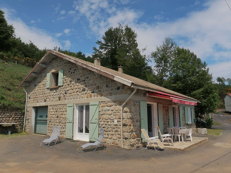 Les Confoulines, holiday rental in Usclades-et-Rieutord