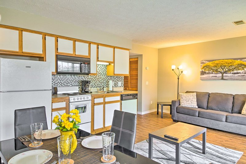 Call this warm 1-bed, 1-bath condo your own during your Branson visit!