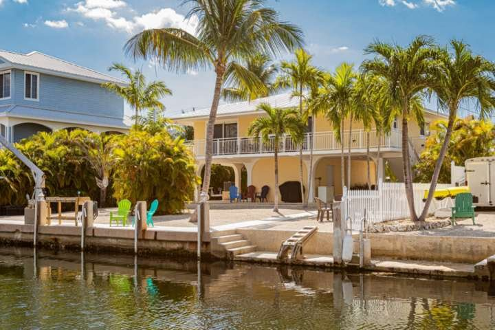 SUNNY'S PARADISE - Beautiful & Clean Canal Front Home That Is Dog Friendly, Brin, casa vacanza a Grassy Key