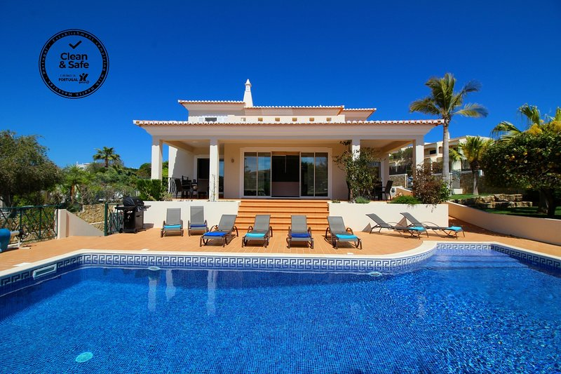 Villa Mar, Luxury, pool & Table Tennis, vacation rental in Ferragudo