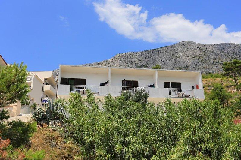Lokva Rogoznica Apartment Sleeps 4 with Air Con - 5841500, vacation rental in Ruskamen