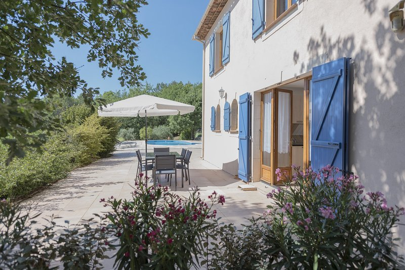 La Flassantine - Appartement 2 chambres dans superbe villa provençale classée 4*, holiday rental in Cabasse