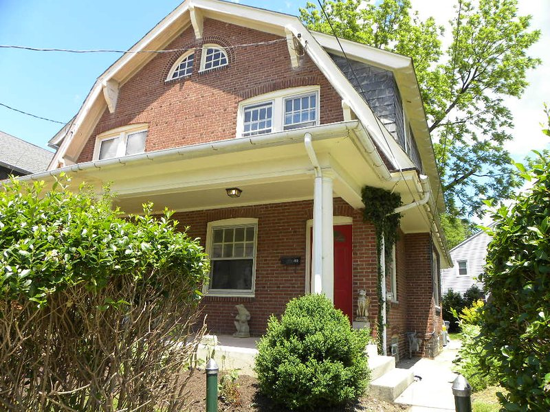 Appealing Semi Detached in Charming Neighborhood, holiday rental in Marple Township