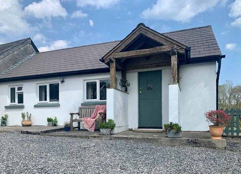 The Cothi Cottage  at Ty'r Cae Farm,  Brechfa .SA327RD, holiday rental in Pentrefelin