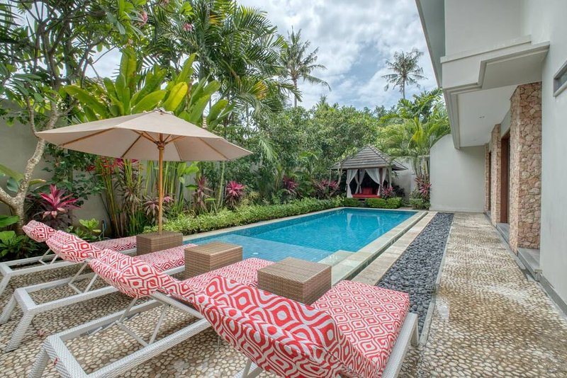 18 KEJORA BEACHFRONT VILLA, location de vacances à Sanur