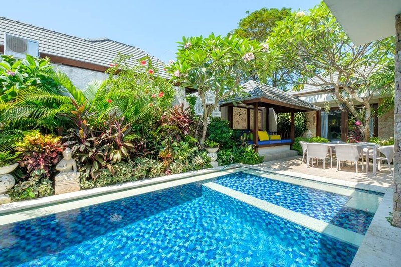 6 KEJORA BEACHFRONT VILLA, holiday rental in Sanur