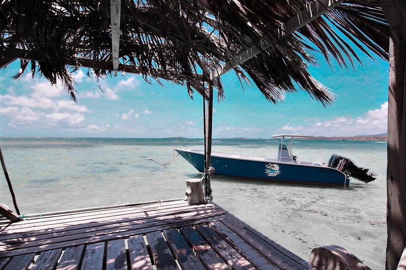 Villa K'lia: vue mer avec ponton, location de vacances à Le Robert