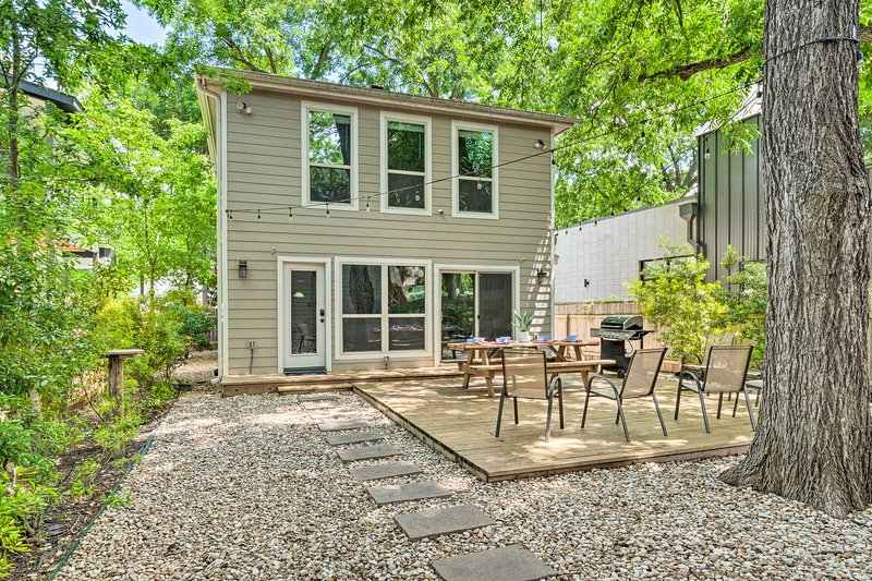 Find a scenic haven in the middle of the city with this East Austin home!